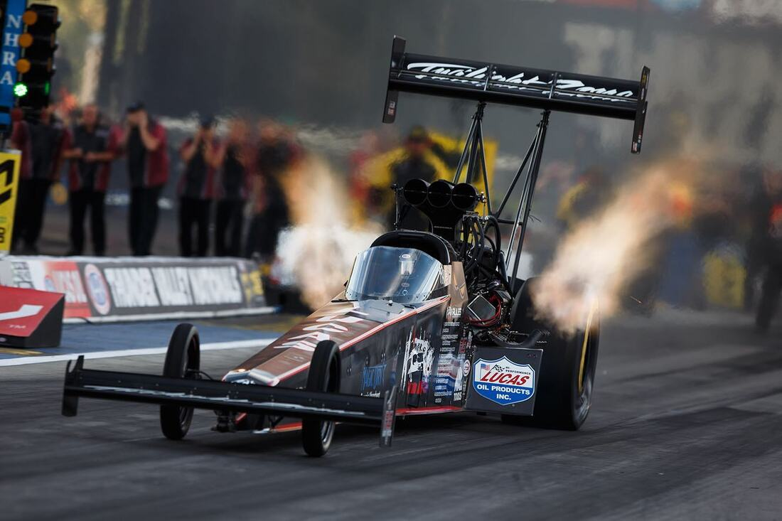 US 131 MOTORSPORTS PARK - THE ONE  THE ONLY   FUNNY CAR CHAOS!